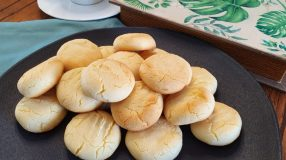 Biscoitos amanteigados com 3 ingredientes