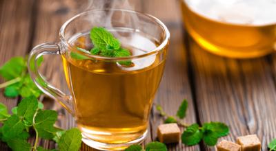 8 receitas de chá de hortelã para se esquentar ou se refrescar