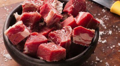 Como fazer carne de sol para sentir o gostinho da culinária nordestina
