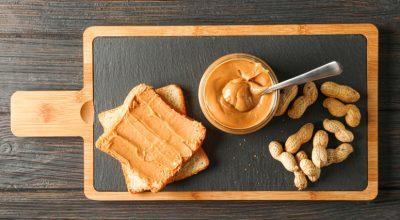Como fazer pasta de amendoim para lanches saborosos e nutritivos