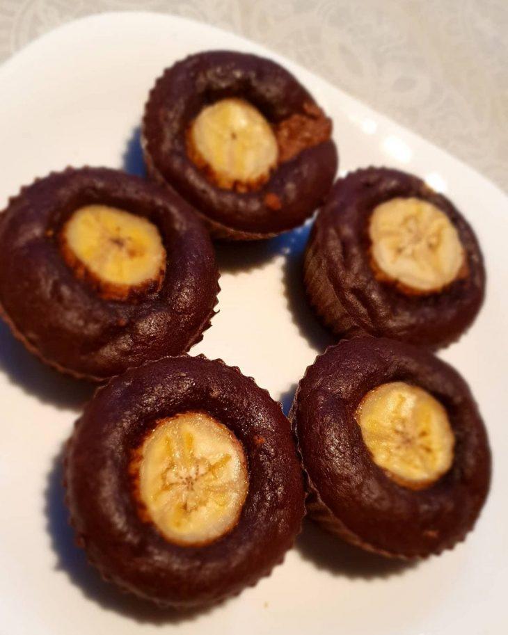 Muffin de banana com pasta de amendoim
