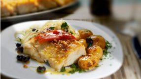 8 receitas com lombo de bacalhau para servir um peixe dos deuses