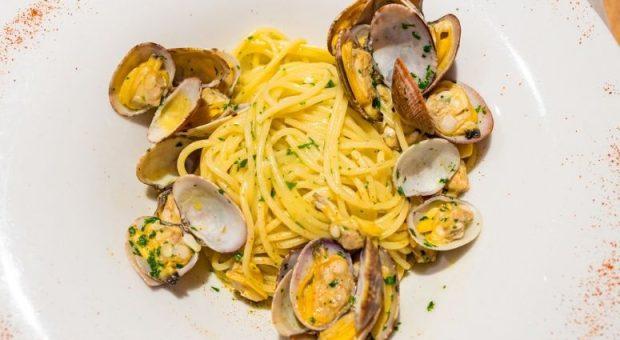 7 receitas com vôngole que vão trazer a brisa do mar para a sua cozinha