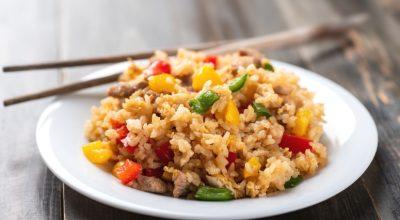 11 receitas de arroz colorido para alegrar o prato e saciar a fome