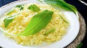 9 receitas de arroz com alho-poró para um prato diferente e rico em sabor