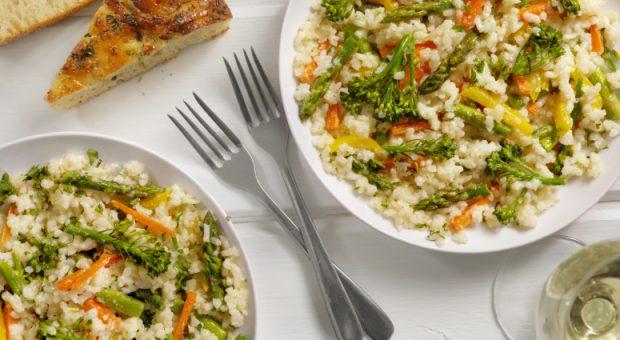 11 receitas de arroz com legumes para um almoço inesquecível