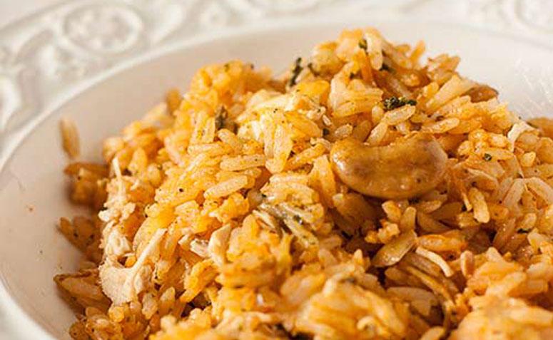 receitas com sobras de arroz e frango desfiado