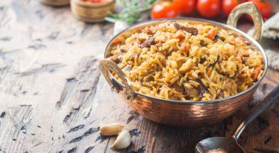 7 receitas de arroz pilaf que são uma riqueza de sabores