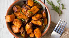 20 receitas de batata doce assada que vão incrementar o seu menu