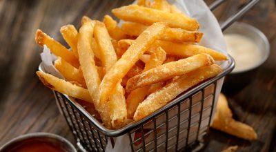 12 receitas de batata frita crocante para uma refeição saborosa