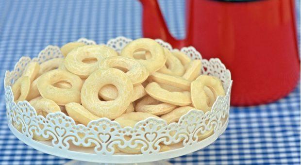 14 receitas de biscoito de polvilho azedo que ficam leves e crocantes