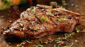 7 receitas de bisteca Fiorentina para você se sentir na Itália