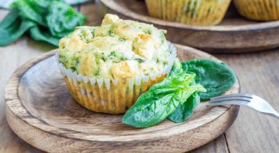 10 receitas de bolinho de espinafre assado para um lanche saudável