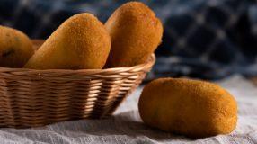 11 receitas de bolinho de mandioca com queijo que têm gostinho de quero mais