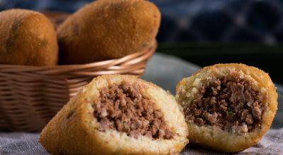 10 receitas de bolinho de mandioca com carne moída irresistíveis