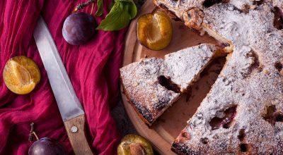 14 receitas de bolo de ameixa para deixar seus dias mais doces