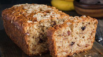 21 receitas de bolo de aveia para deixar o seu café da tarde mais gostoso