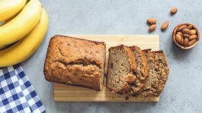 10 receitas de bolo de aveia com banana e maçã para um doce saudável