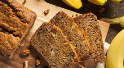 20 receitas de bolo de banana sem farinha para diversificar nos doces