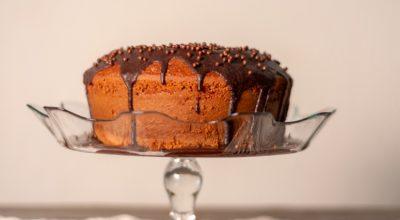7 receitas de bolo de cenoura sem óleo que são mais que perfeitas