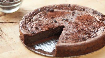 10 receitas de bolo de chocolate de micro-ondas que abraçam a preguiça