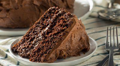14 receitas de bolo de chocolate sem leite fofinhos e muito gostosos
