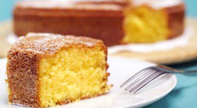 7 receitas de bolo de coalhada com um sabor caseiro irresistível