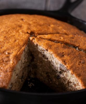10 receitas de bolo de frigideira simples para um lanche superprático