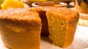 10 receitas de bolo de Milharina para simplificar o seu café da tarde