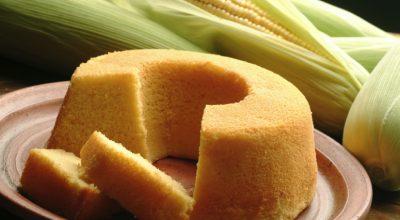 8 receitas de bolo de milho verde de espiga para um lanche delicioso