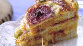 5 receitas de bolo de pizza que vão te deixar feliz instantaneamente