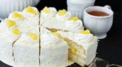 8 receitas de bolo gelado de abacaxi para deixar os seus dias mais doces