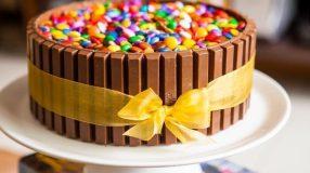 10 receitas de bolo de Kit Kat pelas quais você com certeza vai se apaixonar