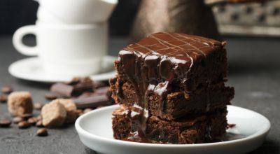 7 receitas de bolo preto para quem quer ampliar o cardápio