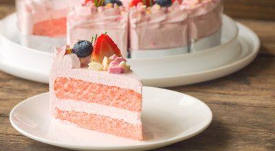 14 receitas de bolo rosa para uma sobremesa muito mais colorida