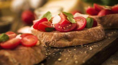 48 receitas de bruschetta que garantem um aperitivo irresistível
