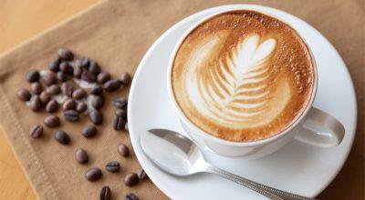 9 receitas de café cremoso para começar o dia com o pé direito