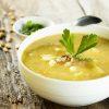 12 receitas de caldo de aipim que vão mandar o frio para longe