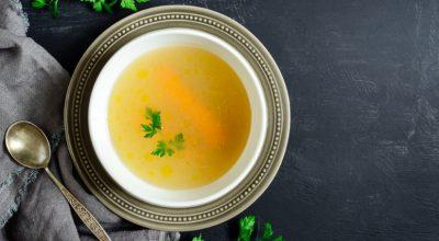 23 receitas de caldo de legumes para fugir das opções industrializadas