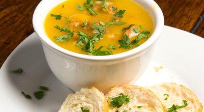 23 receitas de caldo de mandioquinha para aquecer e dar sabor ao dia