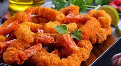 14 receitas de camarão frito que vão trazer o sabor do mar para sua mesa