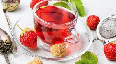 7 receitas de chá de morango que combinam com tudo