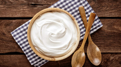 8 receitas de chantininho para deixar seus bolos ainda mais gostosos
