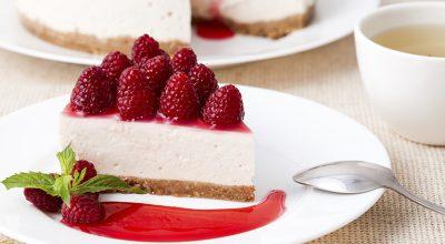 31 receitas de cheesecake de morango que vão te deixar no céu