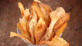 8 receitas de chips de batata-doce para você saborear com os amigos