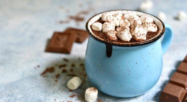 10 receitas de chocolate quente com leite condensado para provar no frio