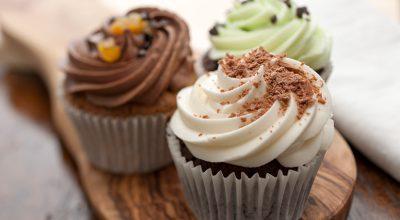 15 receitas de cobertura para cupcake para arrasar na confeitaria