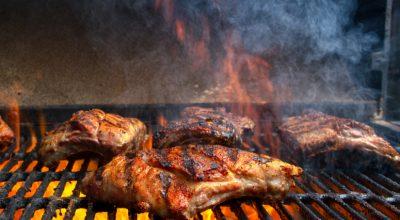 25 receitas de costela na churrasqueira para fazer um churrasco de dar inveja