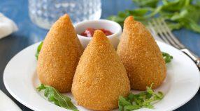13 receitas de coxinha de batata para os amante de salgadinhos