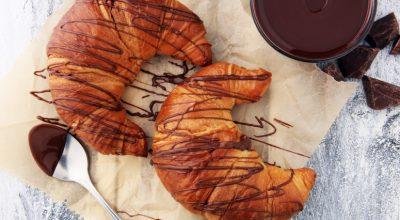 7 receitas de croissant de chocolate que vão te levar para uma boulangerie